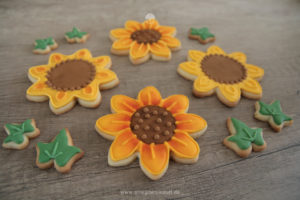 Pralinen & Kleingebäck: Sonnenblumen und Efeu